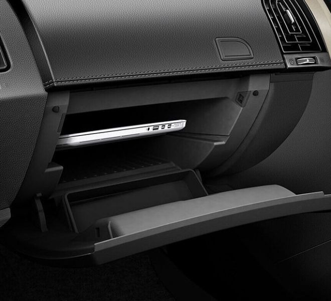 Automotive Mahindra XUV500 Interior-16